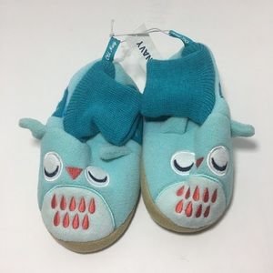 NWT Old Navy Kids Monster slippers house shoes 9